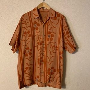 Tommy Bahama 100% Tencel Button Up Shirt